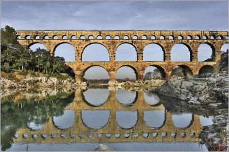 pont-du-gard-cote-est.jpg