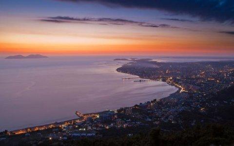 Vlora_City_In_Albania_Wide.jpg
