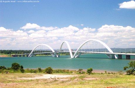 Juscelino_Kubitschek_Bridge_Brazil.jpg