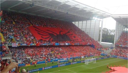 flamuri-shqiperi-zvicer.jpg