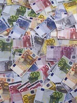euro-money-pile.jpg