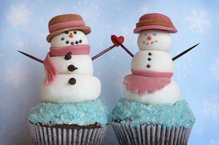 Snowman-Cupcakes-cute-food-24077670-500-333.jpg