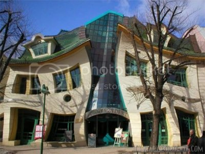 crooked-house-poland.jpg