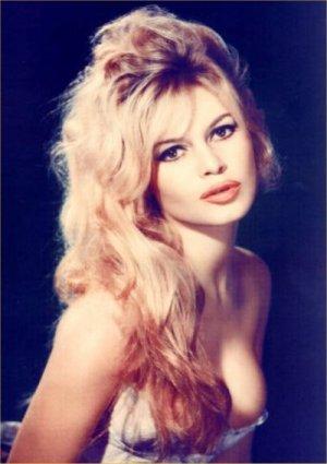 010-08-30-16-38-55-4-french-beauty-brigitte-bardot.jpg