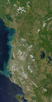 000Satellite_image_of_Albania_in_June_2000.jpg