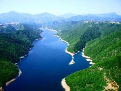 sahit-muja-liqeni-i-fierzes-tropoje-albania+1152_13413521251-tpfil02aw-26135.jpg