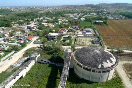 Albania_Fier_Factory_P1940825.jpg