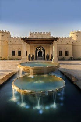 Royal-Pavilion-courtyard-AQA_950.jpg