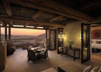 Deluxe-Terrace-Room-AQA_968.jpg