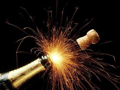bouteille_de_champagne_feu_dartifice.jpg