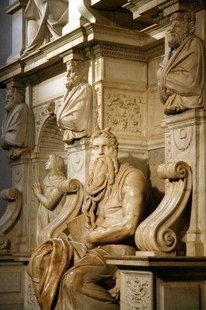 San-Pietro-in-Vincoli_Moses-statue_6524.jpg