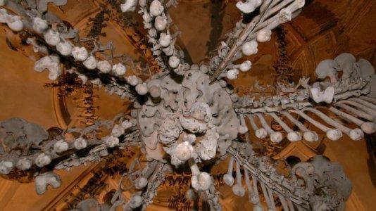 ch-of-bones-sedlec-ossuary-chandelier-getty-images.jpg