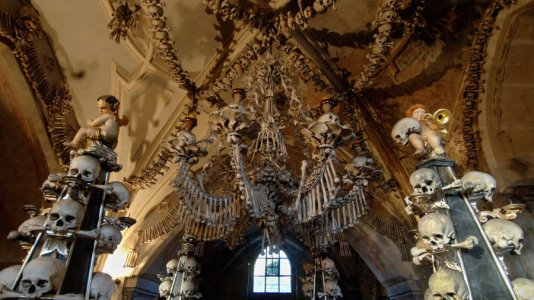 4105834-church-of-bones-sedlec-ossuary-gettyimages.jpg