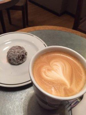 kafe-esaias.jpg