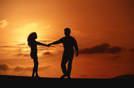 Couple-in-the-sunset.jpg