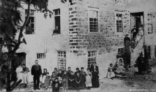 shkolla-e-pare-shqipe-konica.al_-4.jpg