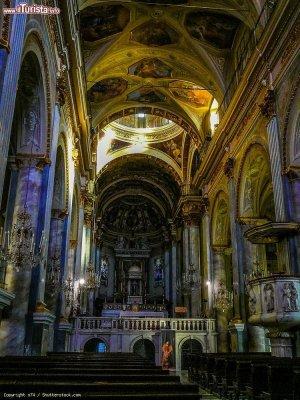 interno_della_cattedrale_di_acqui_terme_piemonte.jpg