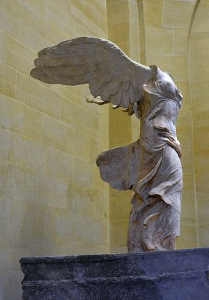 Front_right_view_of_the_Nike_of_Samothrace.jpg