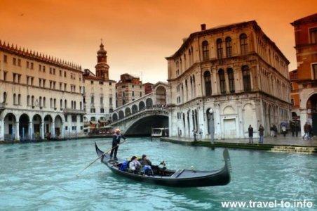 venecia-gondole.jpg